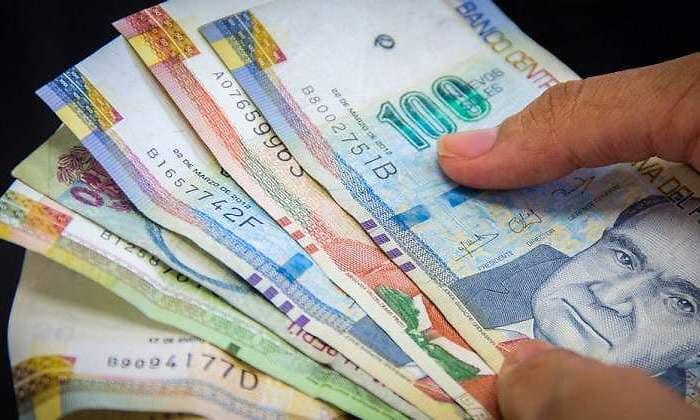 Los bancos deben REPROGRAMAR las deudas de los consumidores, NO REFINANCIARLAS