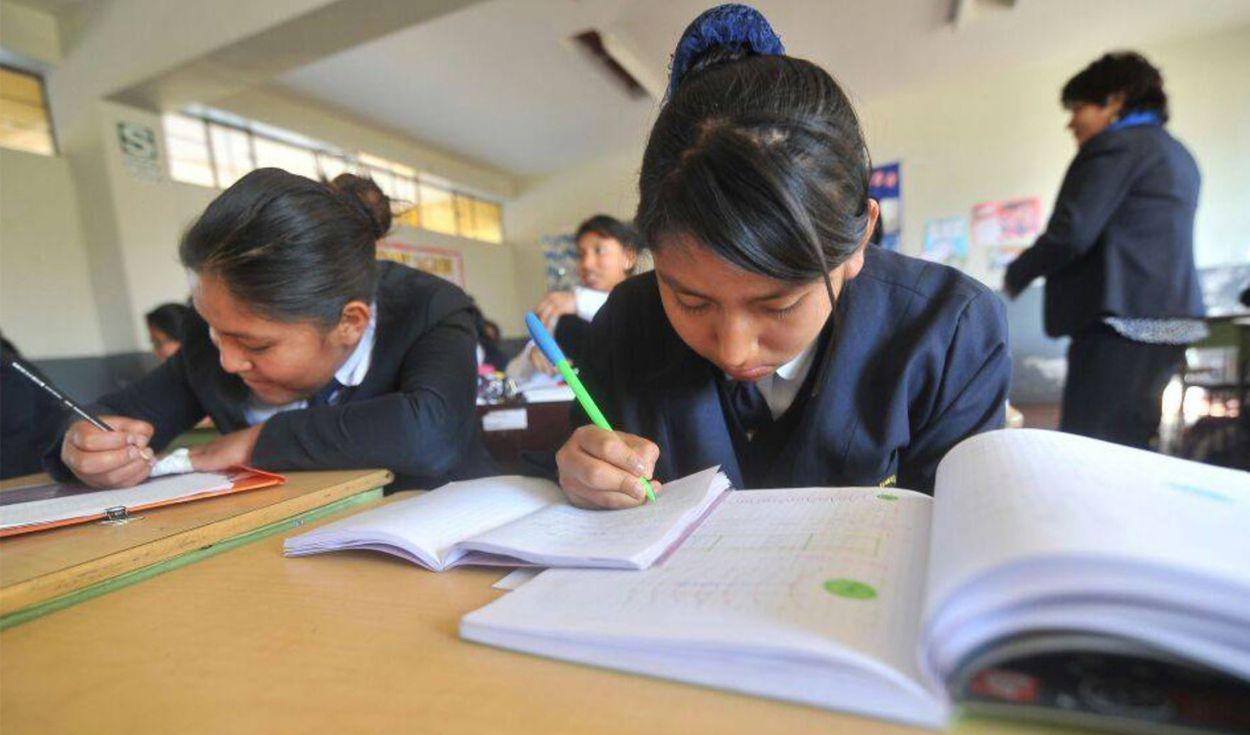 ASPEC: colegios no pueden exigir compra de libros escolares