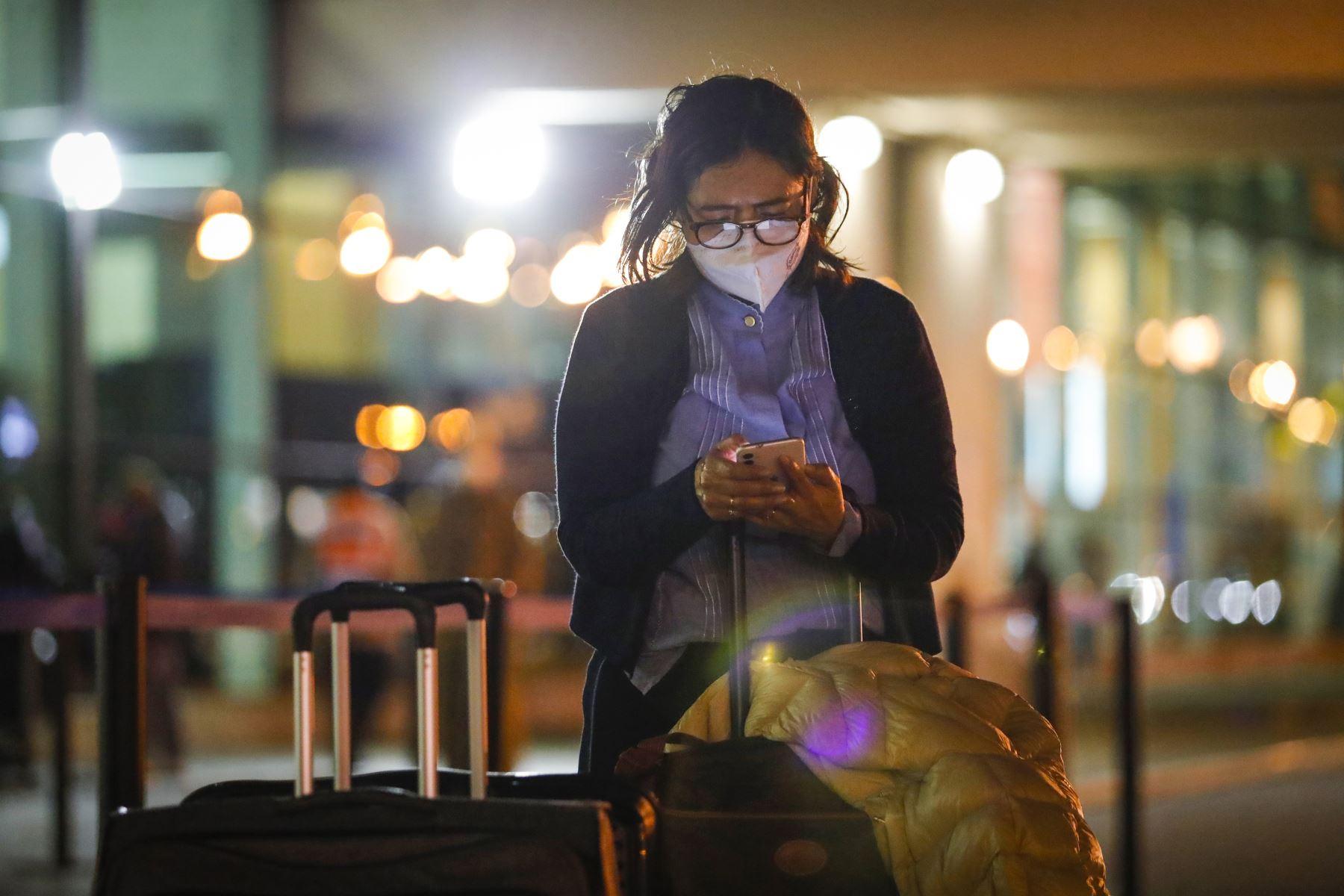 Aerolíneas no podrán cobrar sumas adicionales por endosar o postergar viajes