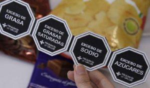 Uso de stickers con octógonos nuevamente genera debate