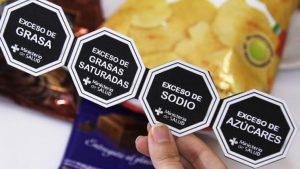 Gremios de la industria alimentaria insisten con nueva prórroga para el etiquetado